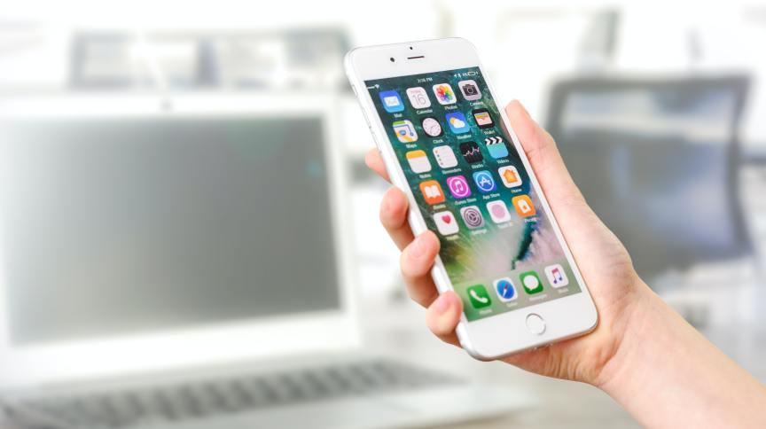 Apagão de WhatsApp e cia. traz prejuízo a empresas, que podem processar serviços